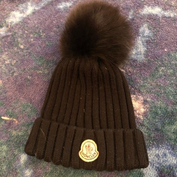 Moncler winter hat. M 5bc4e7232e14788f96761fec 3364d32ffe2b